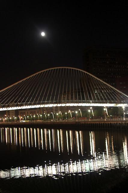 Ponte di Calatrava di notte-Bilbao
