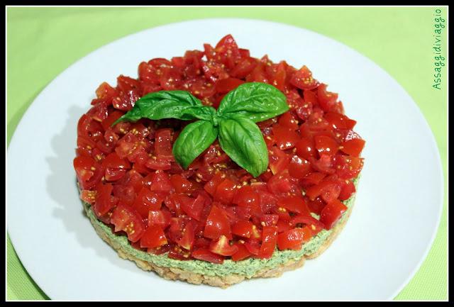Cheesecake al pesto con i pomodori