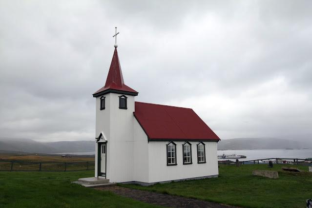 Chiesa dopo lo sbarco dal traghetto Baldur
