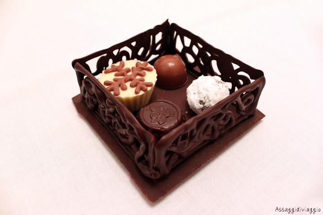 Scrigno di cioccolato con cioccolatini