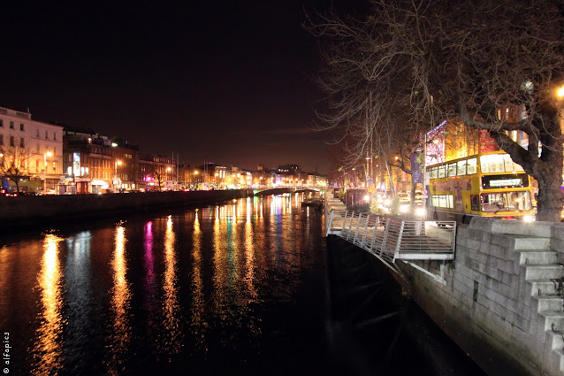 Fiume Liffey di notte-Dublino