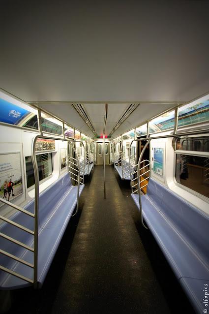 Metro per il Ponte di Brooklyn-New York