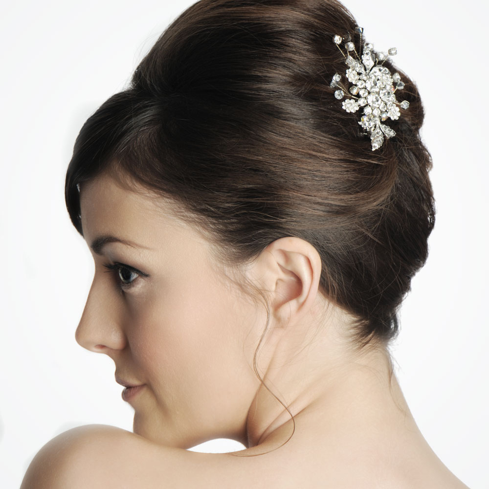 4 Perm Bridal Hairstyles That You Can Try Right Too: Accessorising Your White Hot Wedding Look