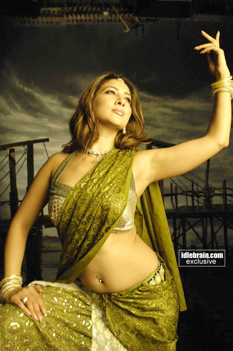 фото голы ким шхарма