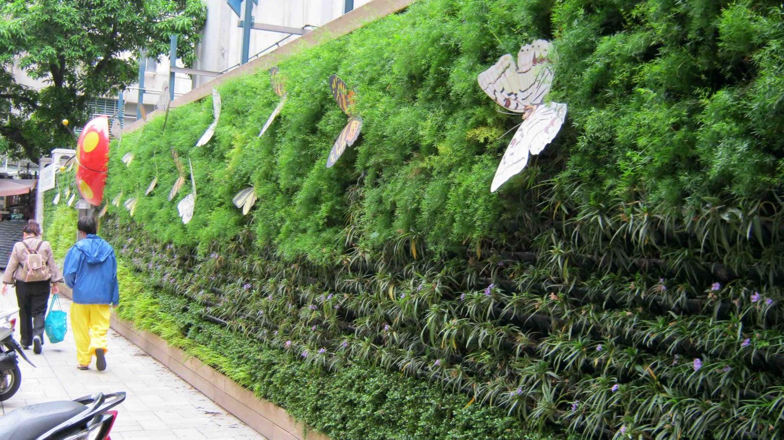 Philippine Gardener Green Buildings And Vertical Gardens