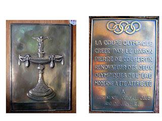 (placa de bronze recebida pelo Fluminense Football Club) 987407b809ec5