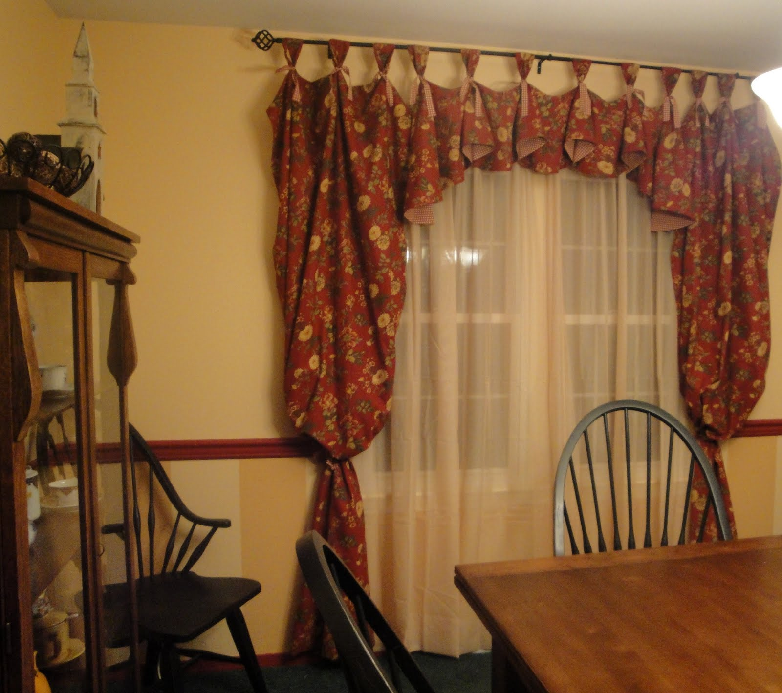 dining room curtains and valances | So Many Memories: New Dining Room Curtains