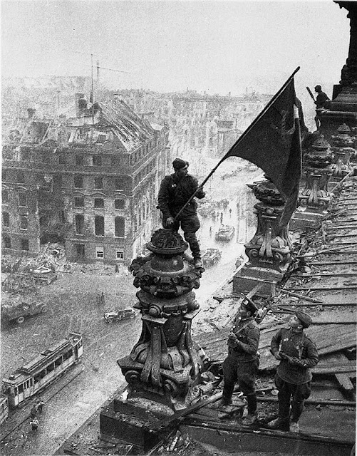 Ussr Flag Ww2 PICTURES FROM H...