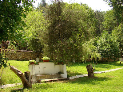 Чешмата в Земенския манастир
