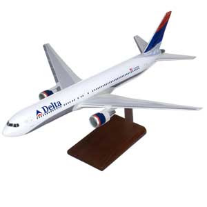 world airlines: Boeing 767 Delta Airlines Model Plane