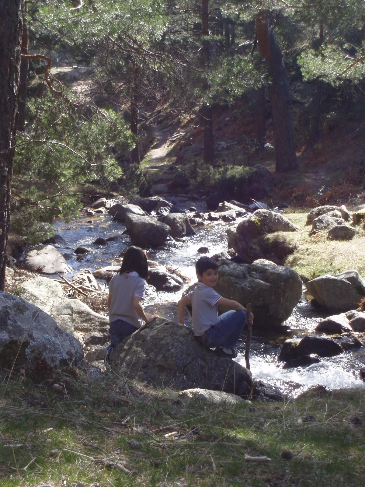 Mami ¿te ayudo?: Excursiones con niños por la sierra de Madrid