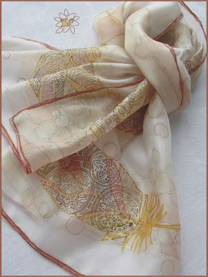tapyba ant šilko, šalikėlis Plunksnos / silk painting, silk scarf, Feathers