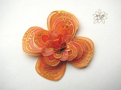 Orange flower with golden contours, silk flower, silk painting / oranžinė gėlė su auksiniu kontūru, šilko gėlė, šilko tapyba