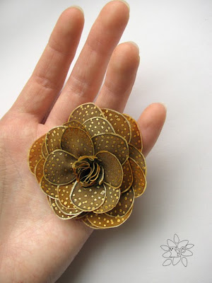 Painting on silk, silk flower from hand painted silk, silk rose, old gold color with dots / Tapyba ant šilko, gėlė iš tapyto šilko, šilko rožė, seno aukso spalvos su taškeliais