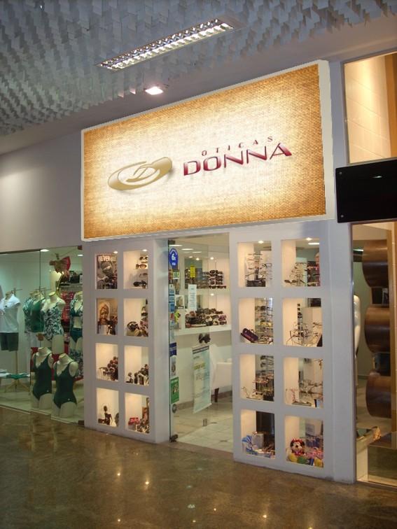 8ff1565c9 Shopping Balneário: Grife Absurda é exclusividade na loja Donna Ótica