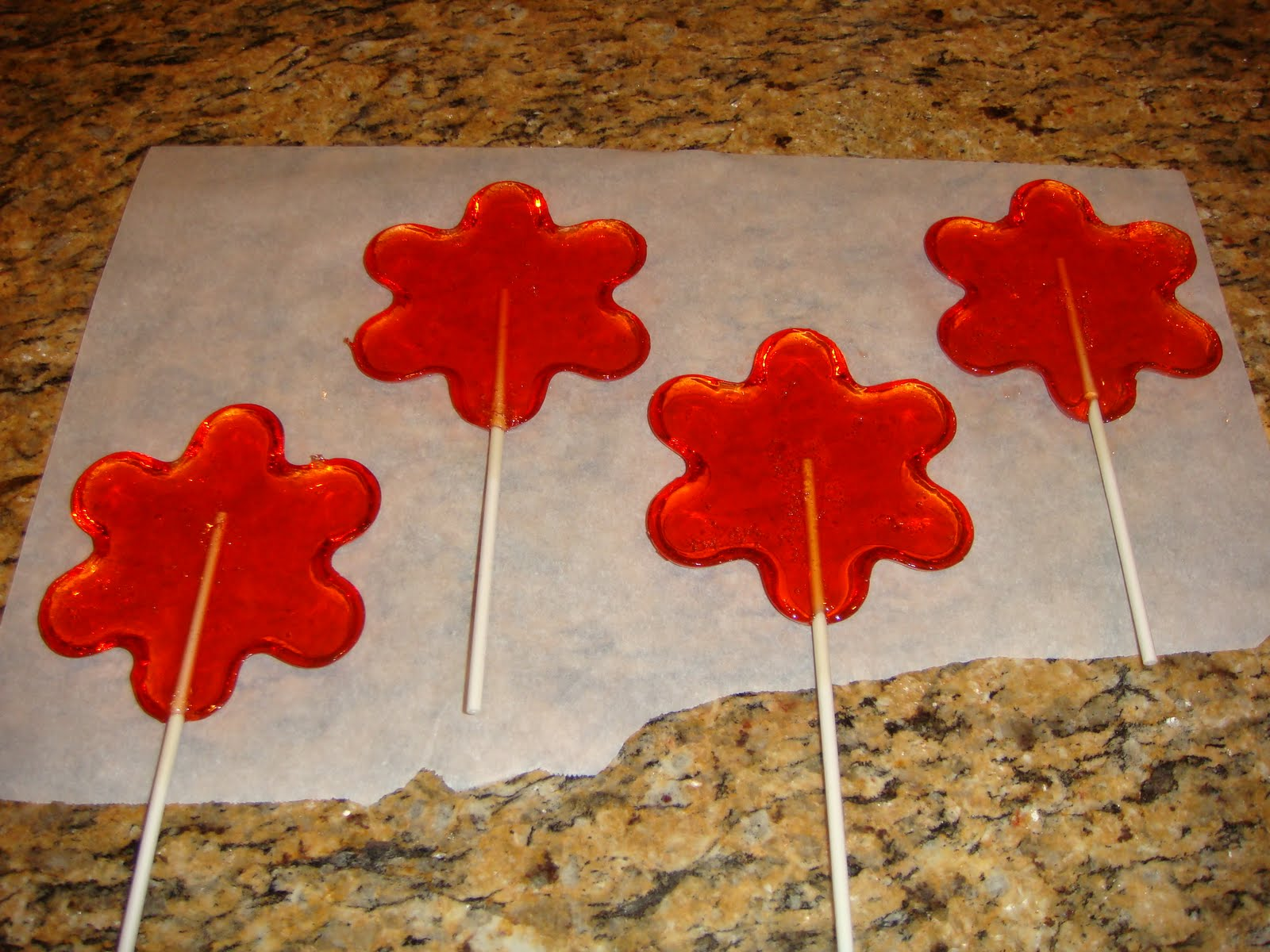 Our Blissfully Delicious Life: Homemade Lollipops