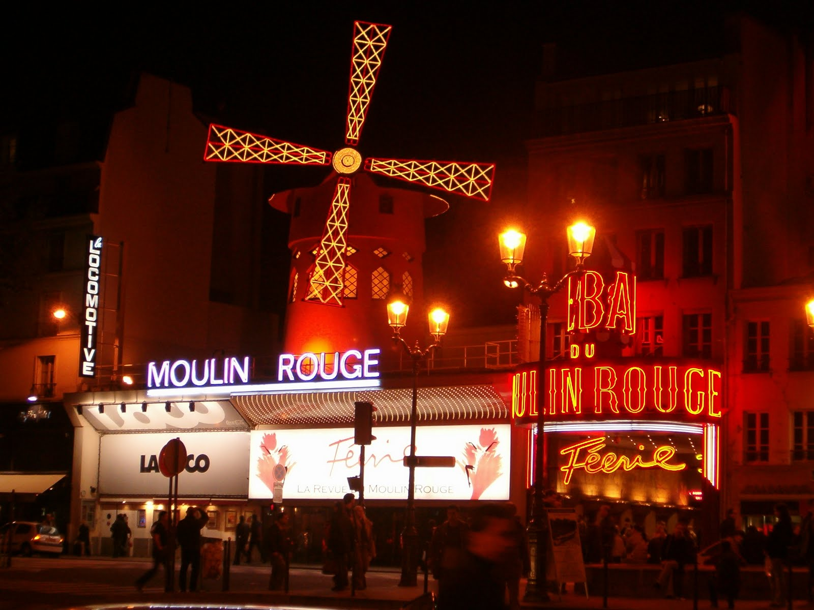 eine reise nach paris moulin rouge in paris. Black Bedroom Furniture Sets. Home Design Ideas