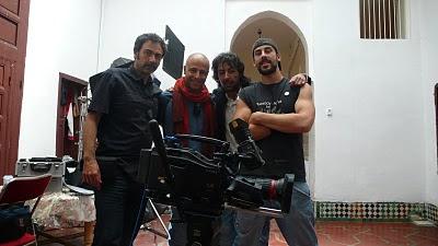 foto de rodaje con Víctor Tejedor y los hermanos Noury y Said Bey