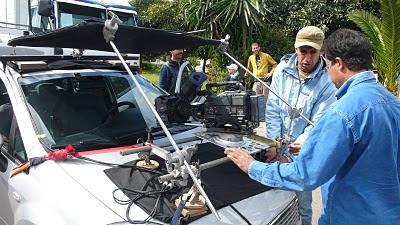 foto de rodaje preparación cámara en car-mount
