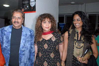 Bollywood singers Hariharan and Peenaz Masani