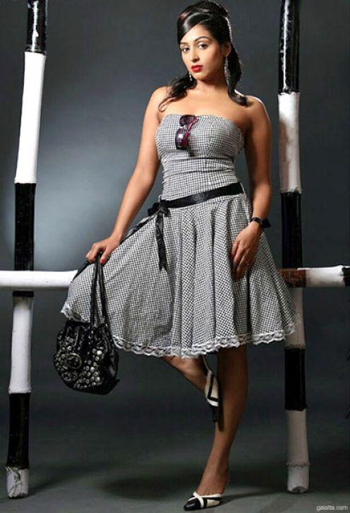padmapriya hot in surya film awards - photo #27