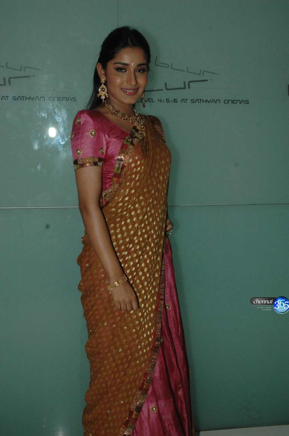 Wallpaper World Beautiful Indian Girl In Pink Saree-6020