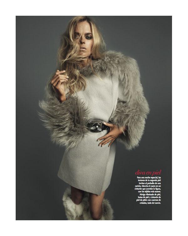 Wallpaper World: Shannan Click Hot Pose