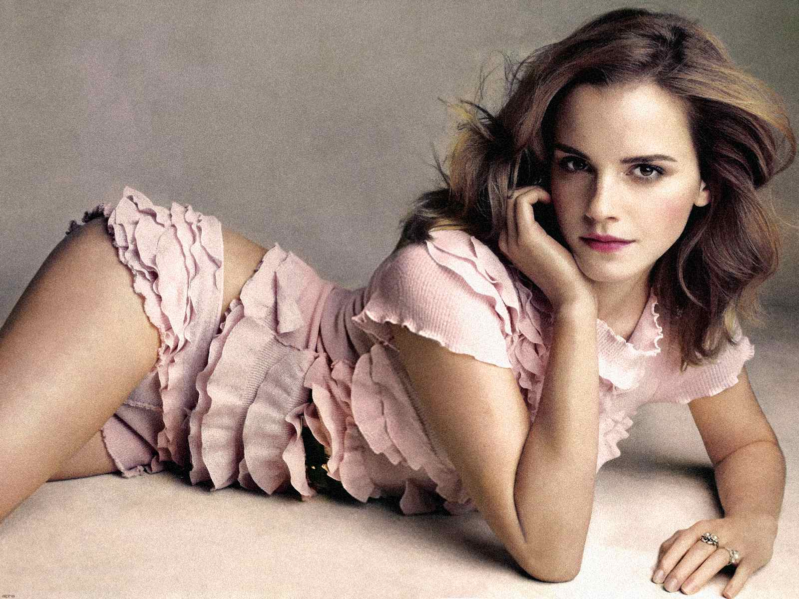 Emma Watson sexualizing herself