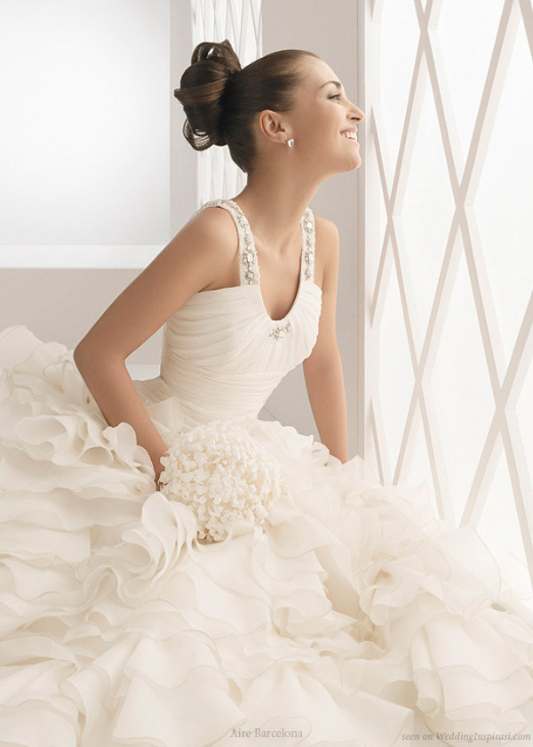 B Amp B Fashion House Aire Barcelona Wedding Gowns 2011