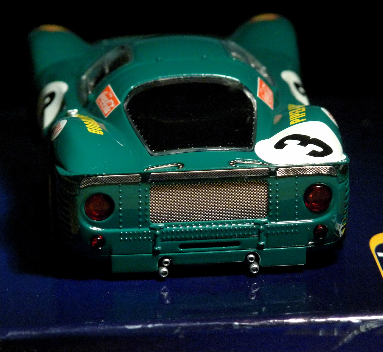 La Vera Scuderia: Scalextric Ferrari 330