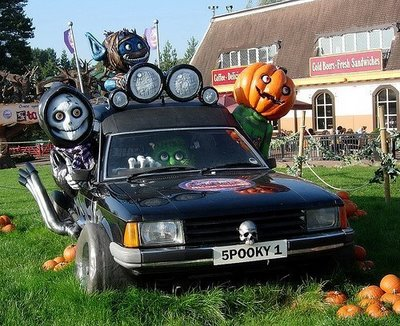 The Bizarre And Weird Scary Halloween Outdoor Car Decorations