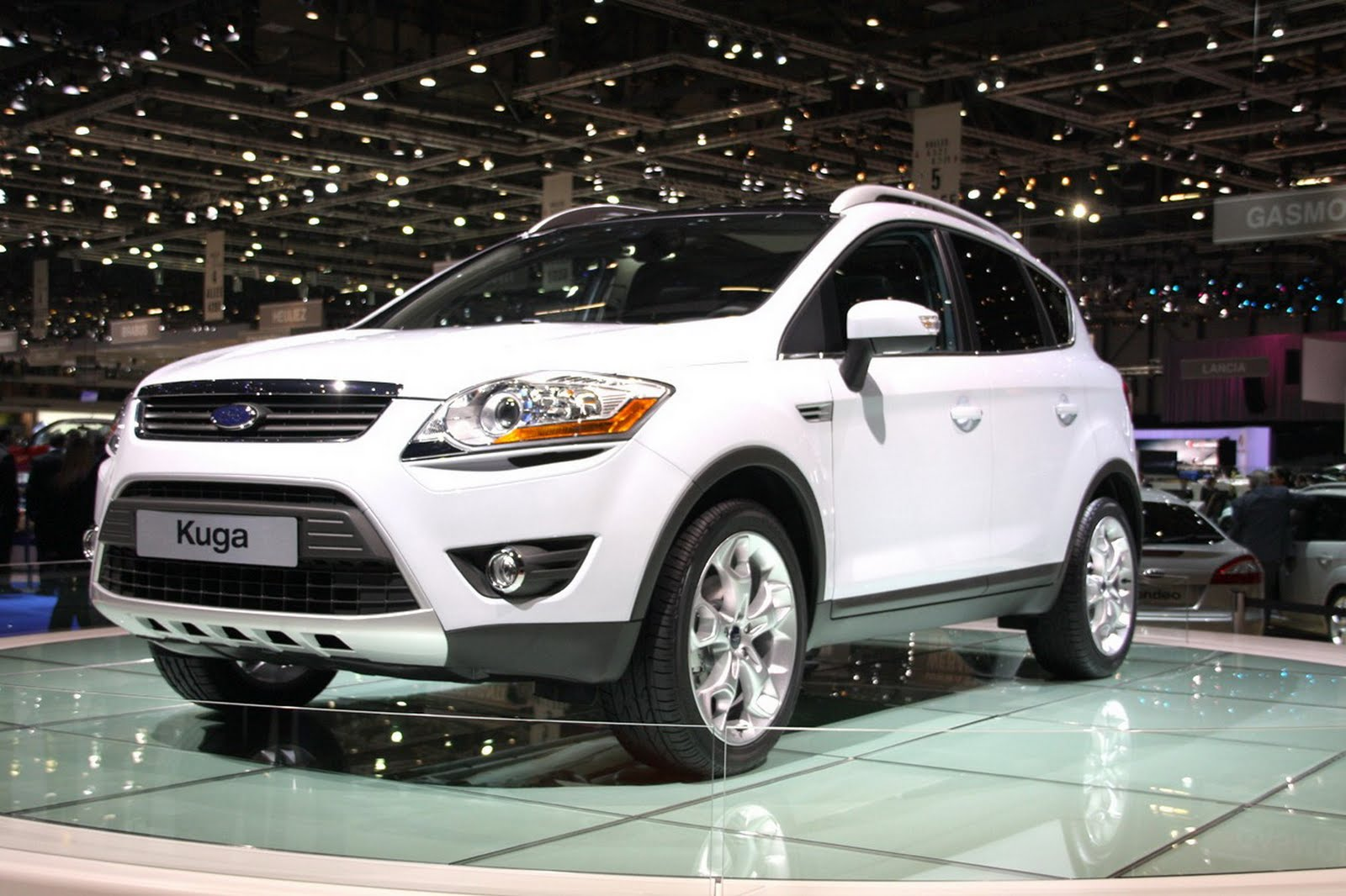 2012 Ford kuga features and price  Vivid Car