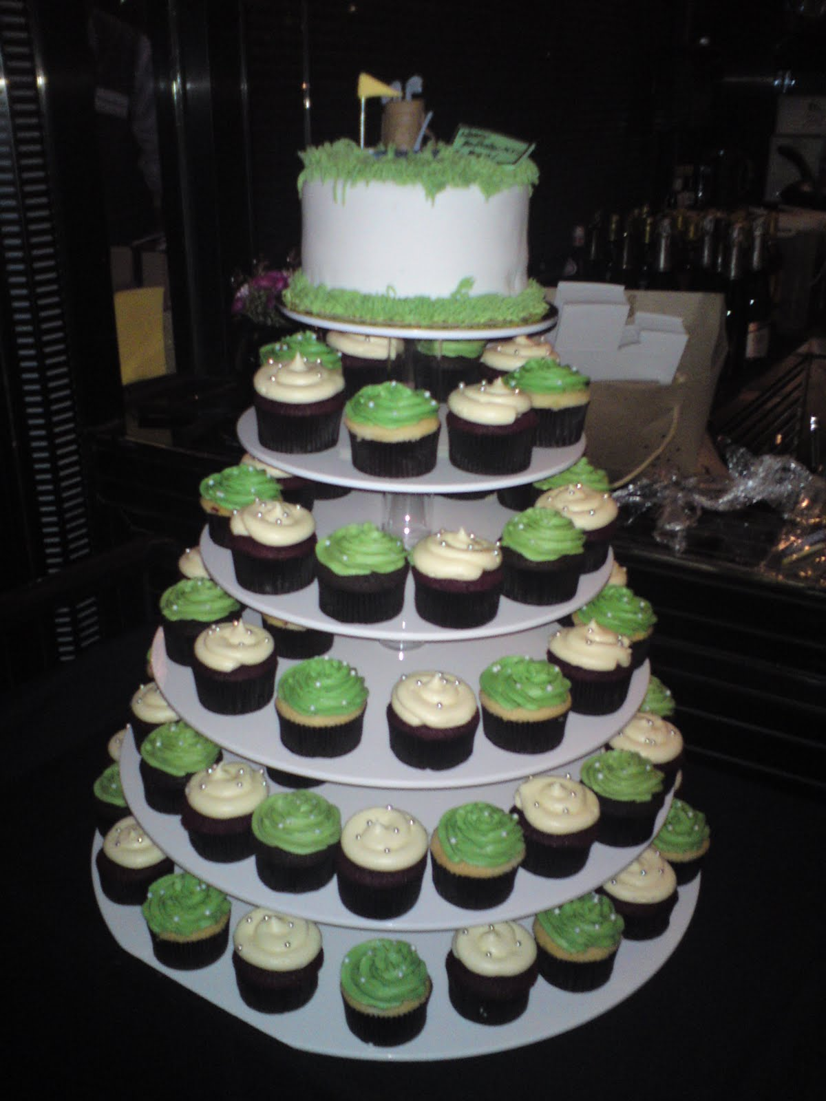 Sift Golf themed cupcake tower