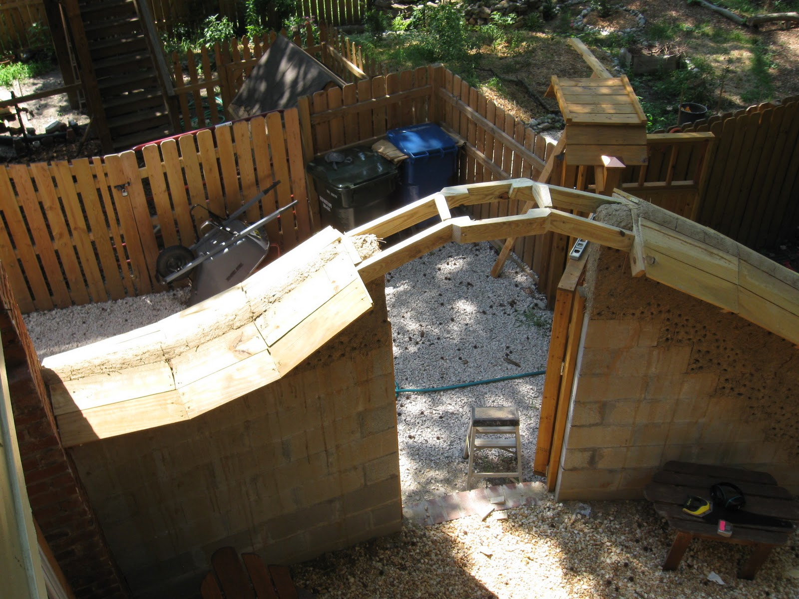Cob on final belated update for the cob garden wall - How to stucco exterior cinder block walls ...