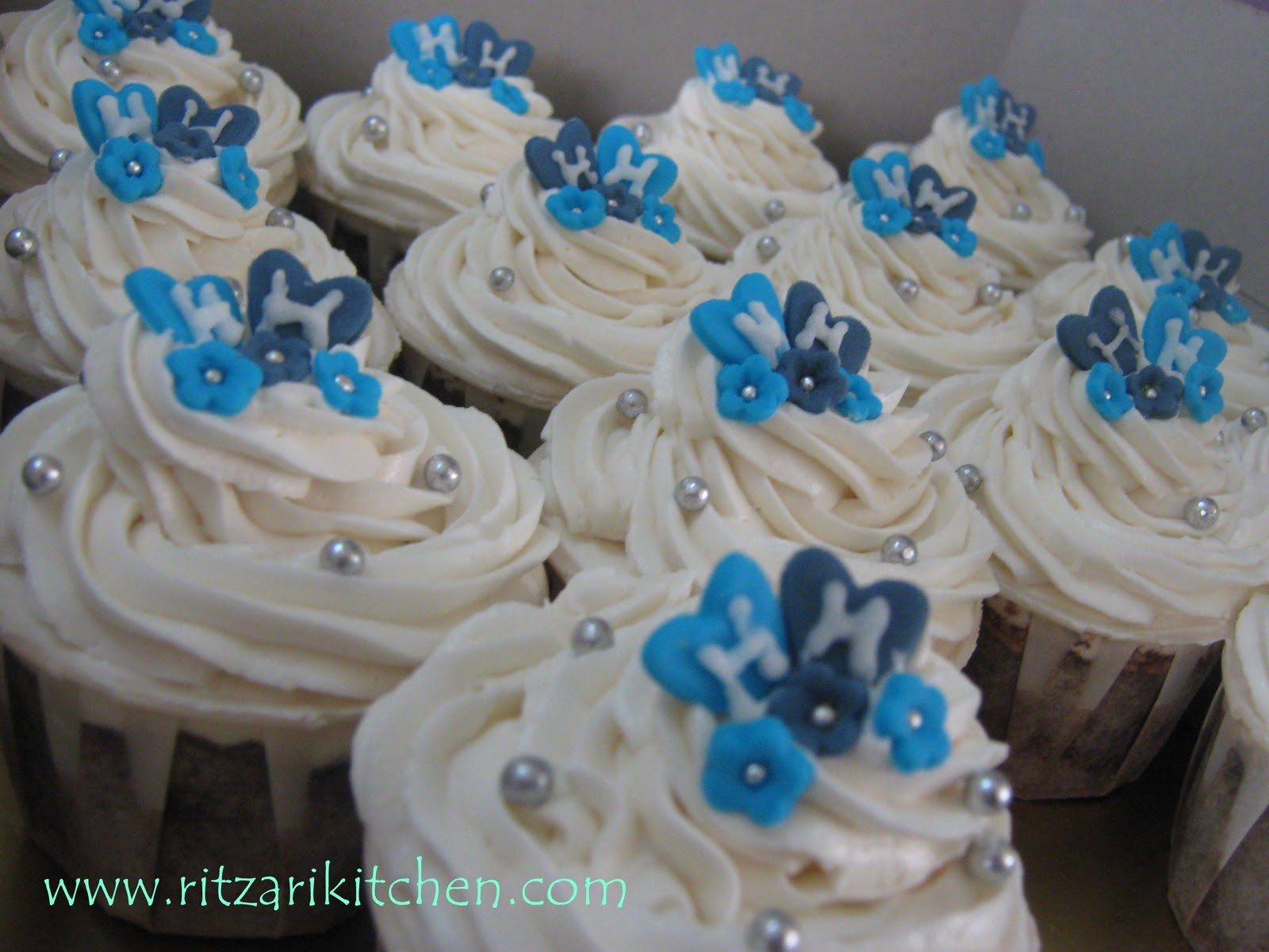Pictures Of Blue And Silver Wedding Cupcakes Rock Cafe