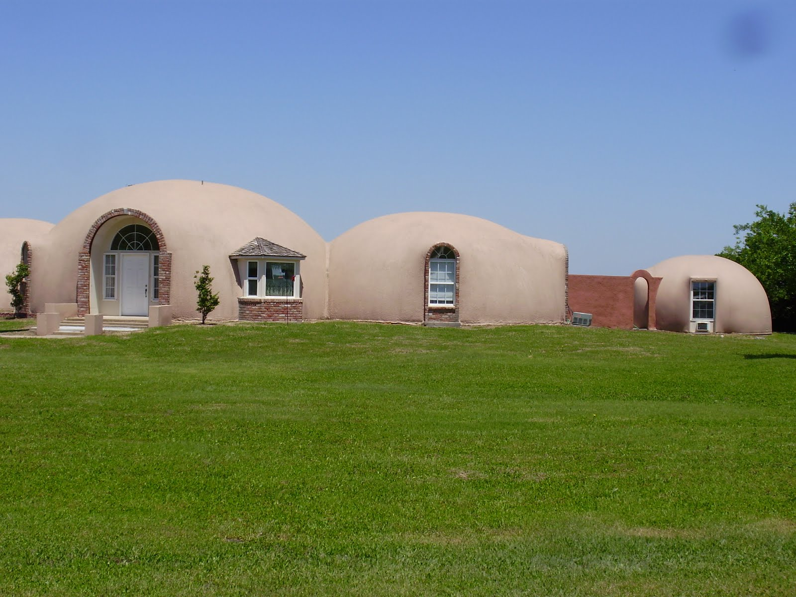 Life At 55 Mph Monolithic Dome Institute In Italy Texas