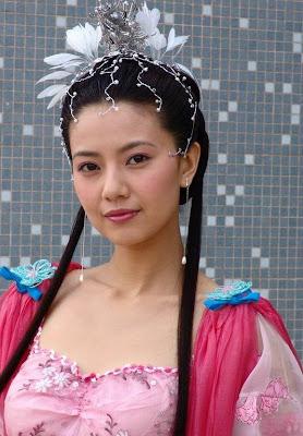 Sexy Chinese Actress Gao Yuanyuan Hot Box Wallpapers