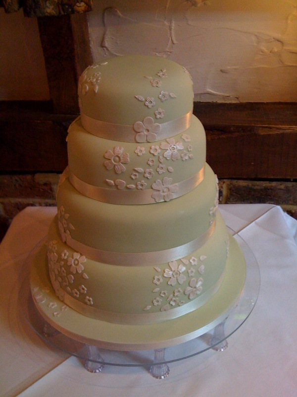 Diy Sos Tips For Choosing And Making Your Own Wedding Cake