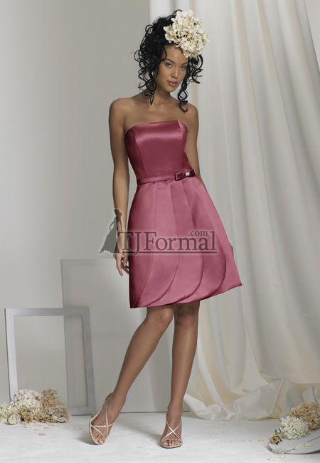 46964251bc65 Rose-colored bridesmaid dresses are fantastic for fall.