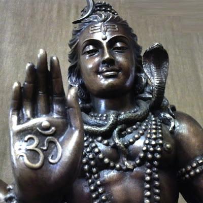リアルでかっこよすぎるシヴァ神の像