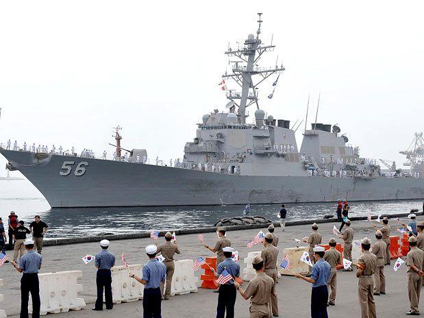 Resultado de imagem para marinheiros no destroyer americano