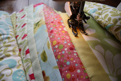 Quilted Table Runner Tutorial featured by top US quilting blog, Diary of a Quilter