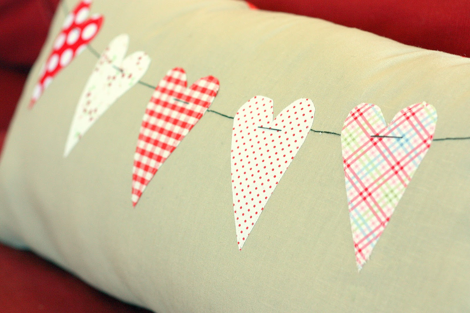 Diary of a Quilter - a quilt blog: A little Valentine's pillow ...