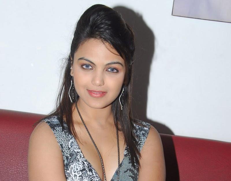 Actress Monica Bedi At Devadasini Movie New Photogallery – Migliori