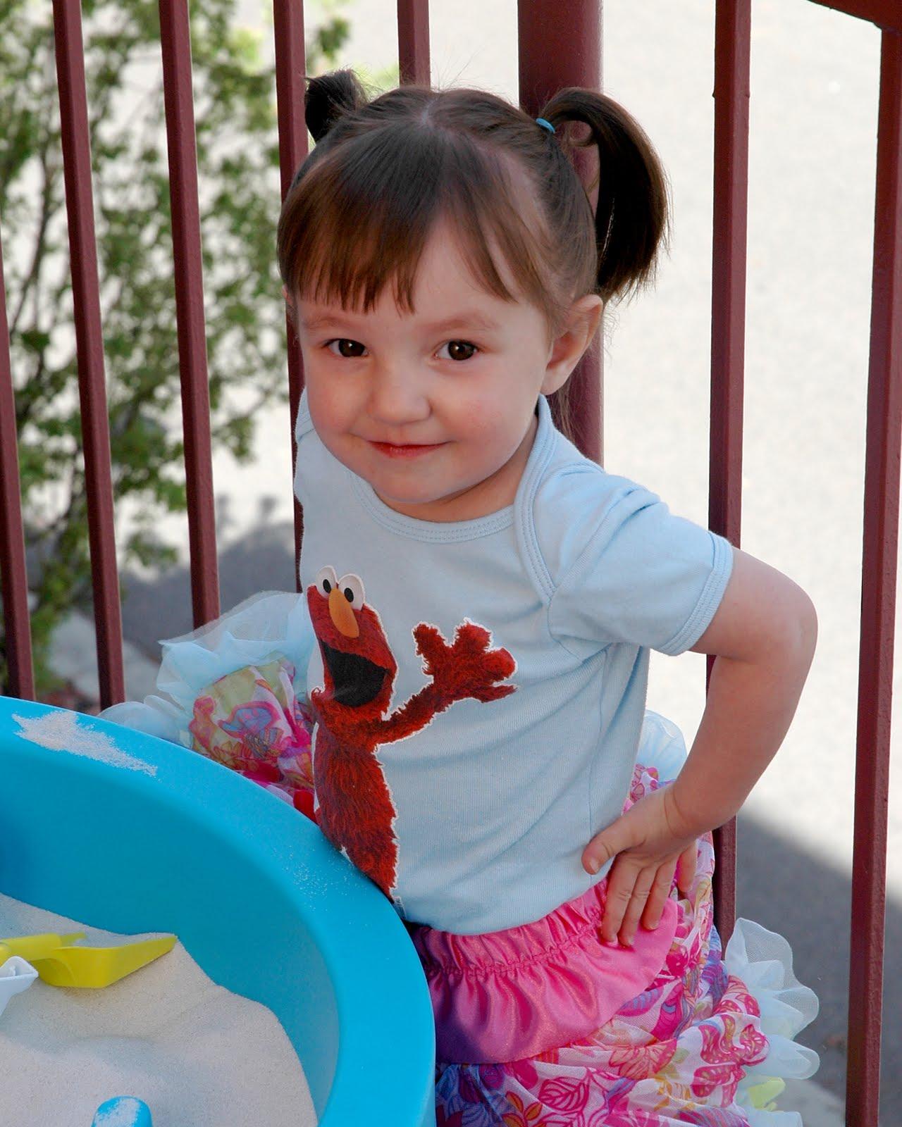 Riley, Piper & Olivia: Riley's Elmo Birthday Party