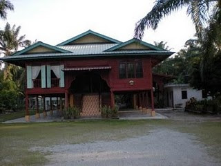 IS-BANGHURIS HOMESTAY
