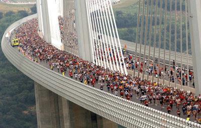 Construction Of Millau Viaduct Worlds Tallest Vehicular