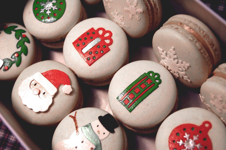 Christmas Macarons.Macaron Chacaron Christmas Macarons