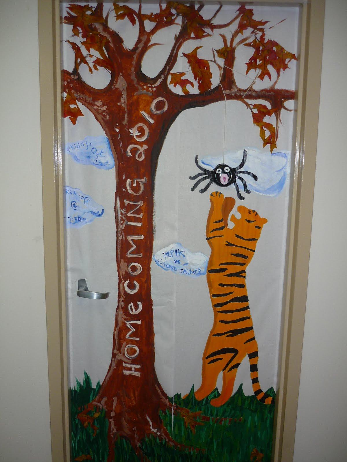 Pin Homecoming Door Decoration Ideas By Luigi on Pinterest