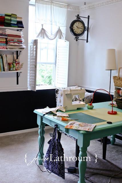Feito em casa: decoração do ateliê da blogueira. Blog Achados de Decoração